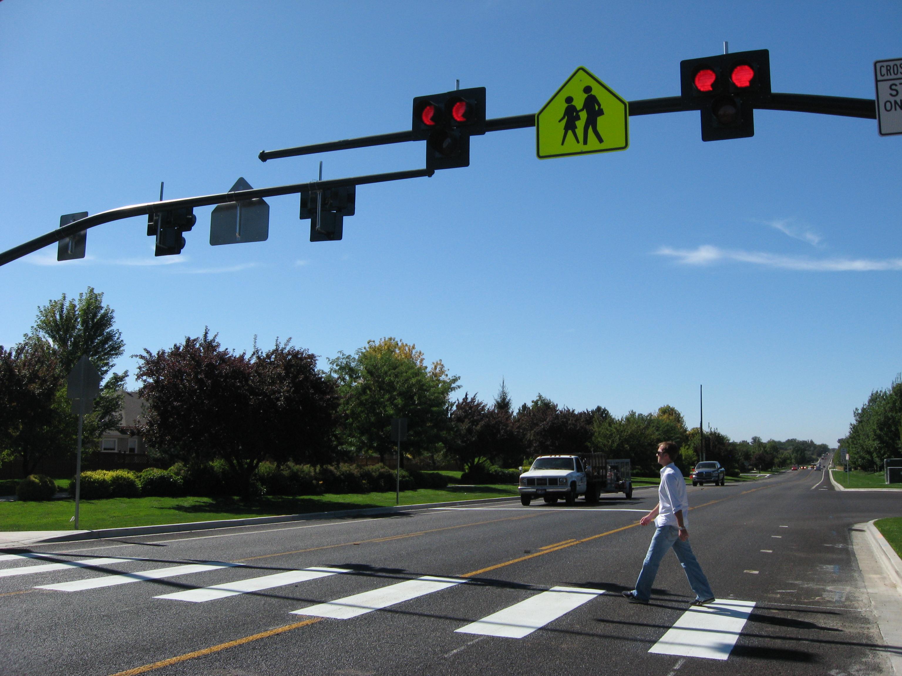 pedestrian hybrid beacons hawk signals explained michigan complete streets coalition. Black Bedroom Furniture Sets. Home Design Ideas